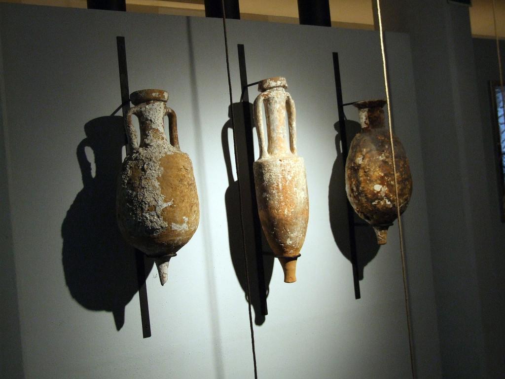 Ánforas romanas recuperadas en las aguas de Ceuta