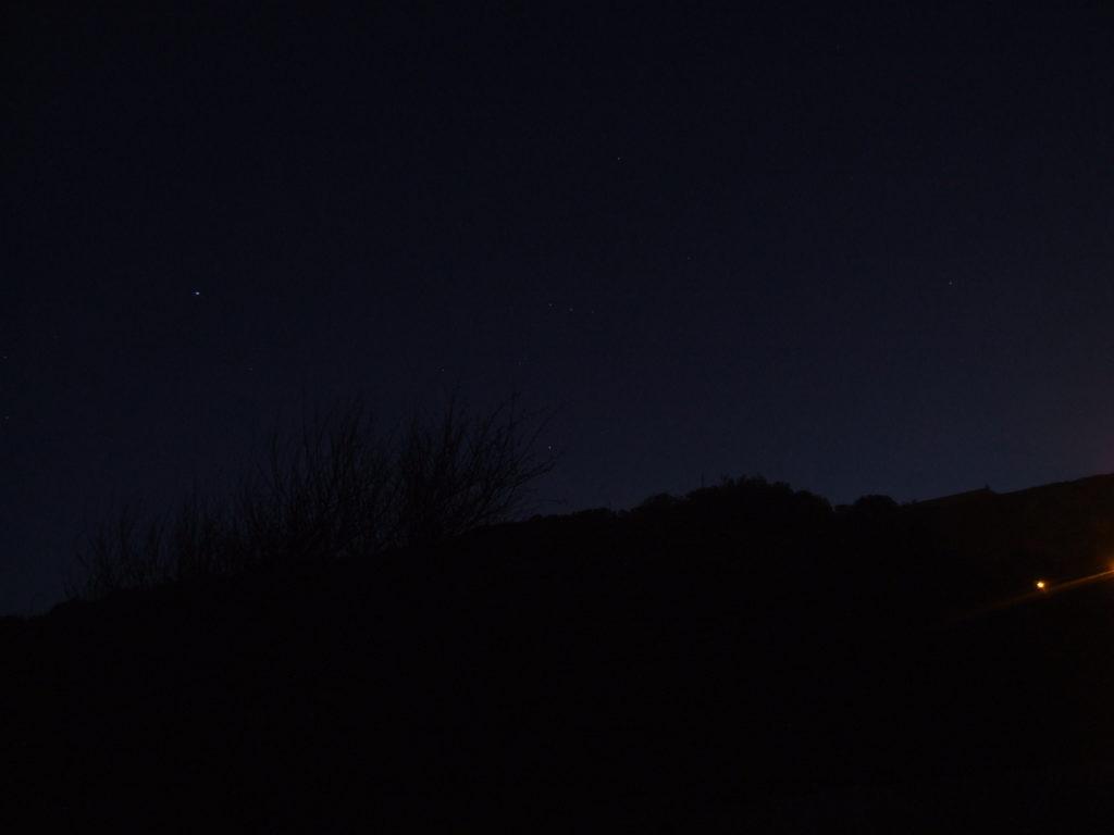Cielo estrellado con el protagonismo de la constelación de Orión