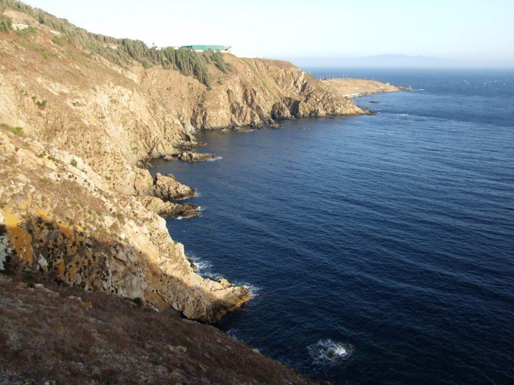Acantilados entre punta Almina y punta de las Cuevas
