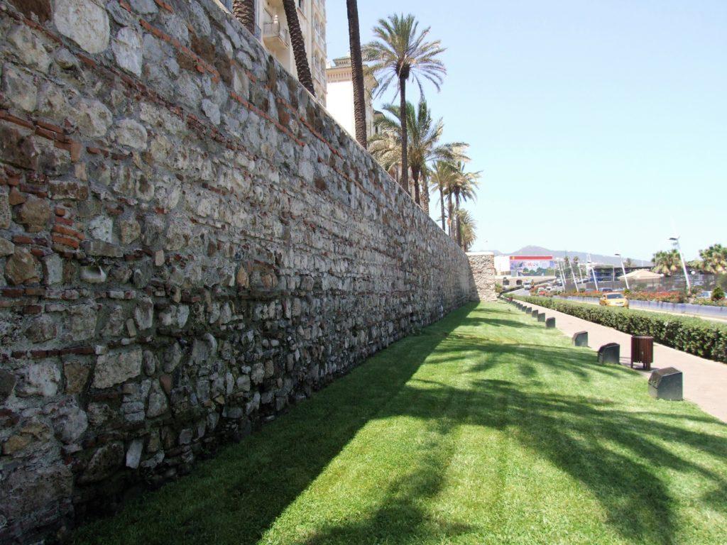 Murallas del Paseo de las Palmeras